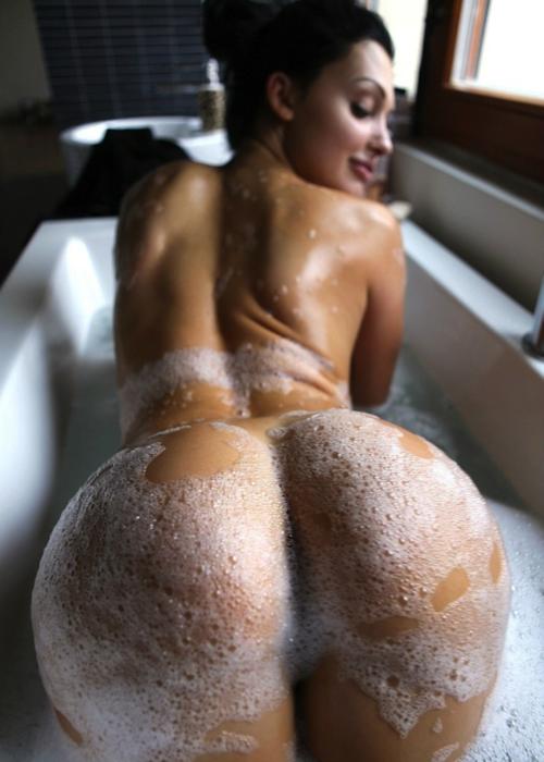 эро фото болишая попа голая девушка